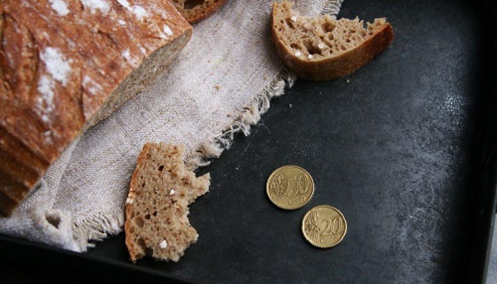 kolko-stoji-chlieb