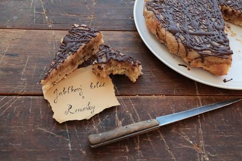 svieži jablkový koláč z remosky s čokoládou od Naty