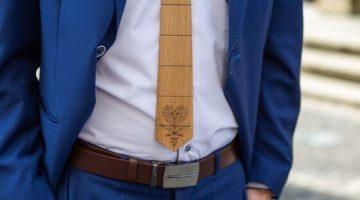 2 Drevena kravata a dreveny motylik