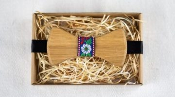 7 Drevena kravata a dreveny motylik