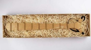 8 Drevena kravata a dreveny motylik
