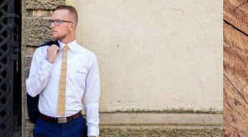 9 Drevena kravata a dreveny motylik