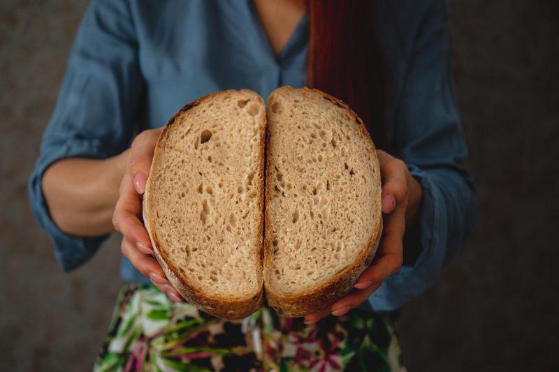 ako upiecť chlieb bez rozkvasu vás naučia Daniela a Naty z Kváskovanie