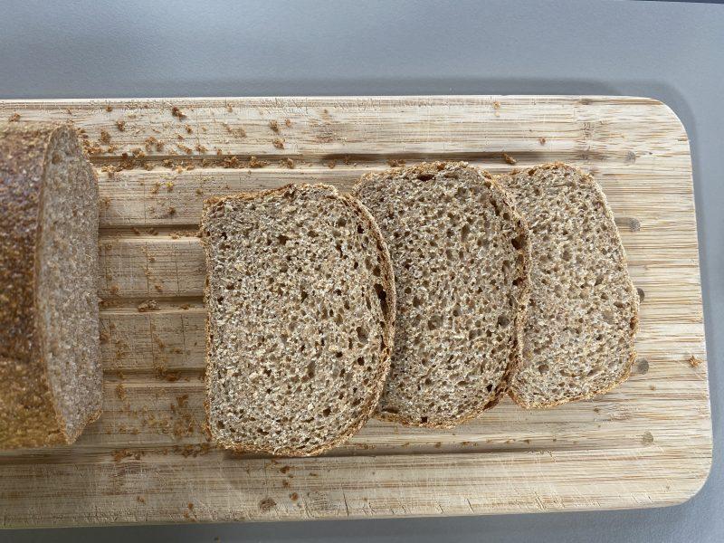 grahamový chlieb z kvásku