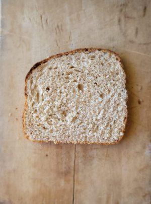 celozrnny toastovy chlieb honey striedka